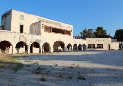 Edificio pubblico a Linopotis